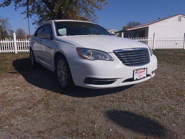 2013 Chrysler 200 for sale at Tri-County Pre-Owned Superstore in Reynoldsburg OH