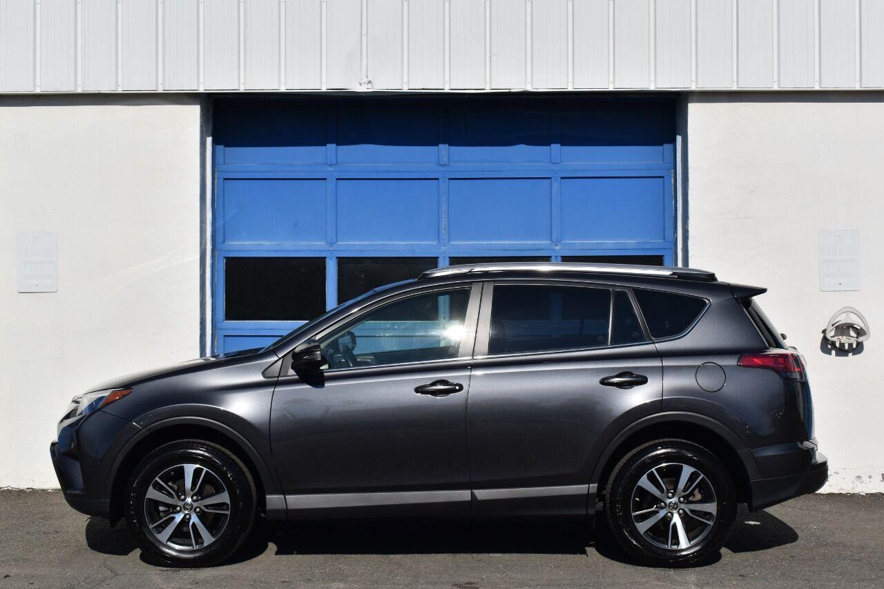 2018 Toyota RAV4 Adventure AWD 4dr SUV full