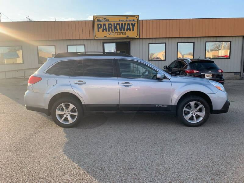 2013 Subaru Outback for sale at Parkway Motors in Springfield IL