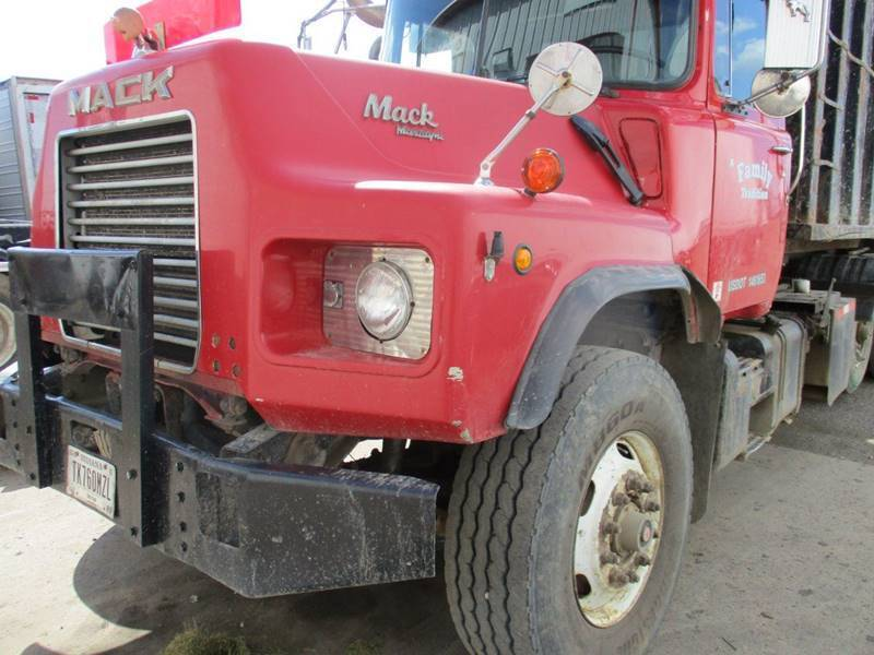 1996 Mack DM688S for sale at ROAD READY SALES INC in Richmond IN