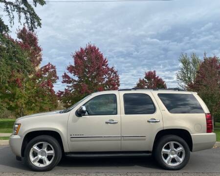 2009 Chevrolet Tahoe for sale at CLEAR CHOICE AUTOMOTIVE in Milwaukie OR