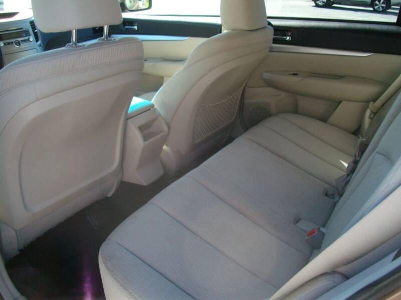 2011 Subaru Outback AWD 2.5i Premium 4dr Wagon CVT - Castleton VT