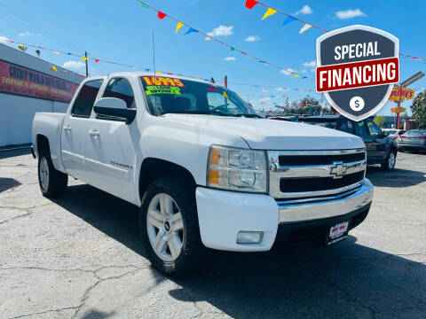 2008 Chevrolet Silverado 1500 for sale at Credit World Auto Sales in Fresno CA