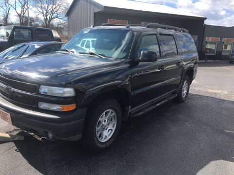 2004 Chevrolet Suburban for sale at Hoss Sage City Motors, Inc in Monticello IL