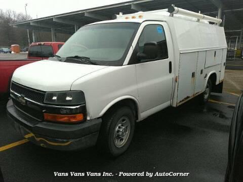 2004 Chevrolet Express Cutaway for sale at Vans Vans Vans INC in Blauvelt NY