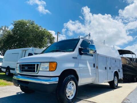 2005 Ford E-350 for sale at AUTO CARE CENTER INC in Fort Pierce FL