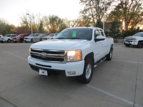 2009 Chevrolet Silverado 1500 for sale at Aztec Motors in Des Moines IA