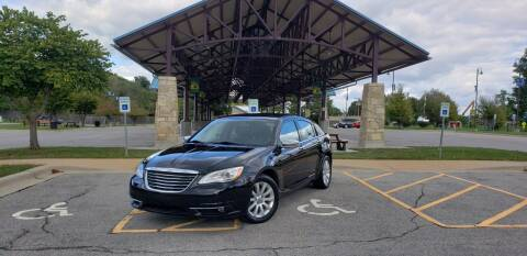 2013 Chrysler 200 for sale at D&C Motor Company LLC in Merriam KS