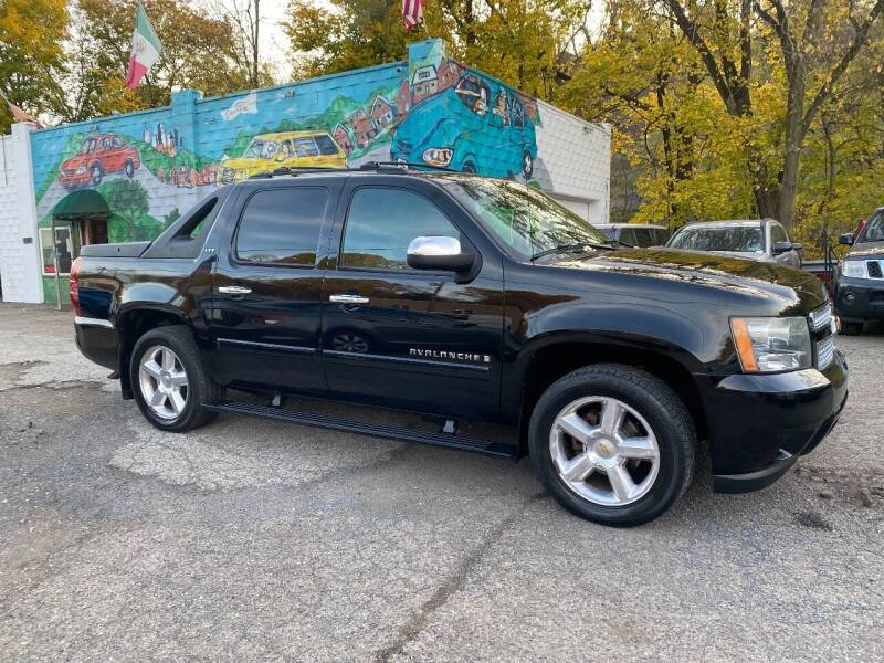 2008 Chevrolet Avalanche for sale at Showcase Motors in Pittsburgh PA