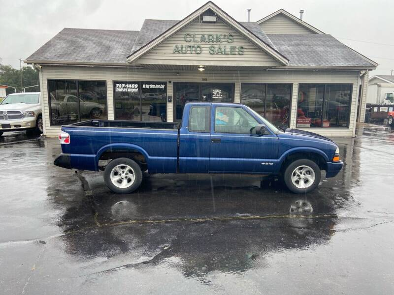 2001 Chevrolet S-10 for sale at Clarks Auto Sales in Middletown OH
