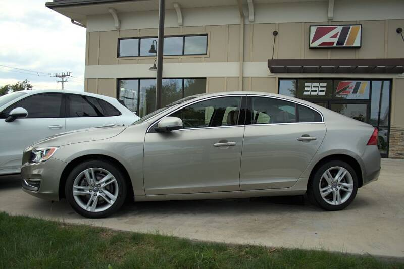 2015 Volvo S60 for sale at Auto Assets in Powell OH