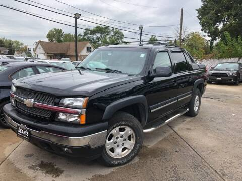 2005 Chevrolet Avalanche for sale at DEANSCARS.COM in Bridgeview IL
