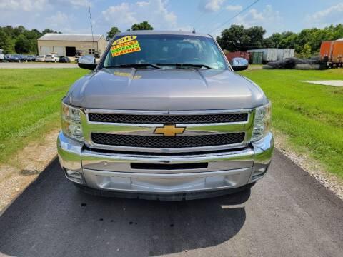2013 Chevrolet Silverado 1500 for sale at Auto Guarantee, LLC in Eunice LA
