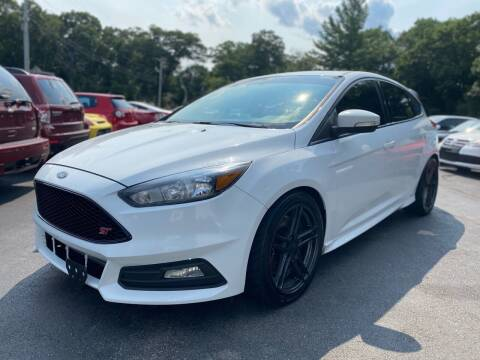 2016 Ford Focus for sale at SOUTH SHORE AUTO GALLERY, INC. in Abington MA