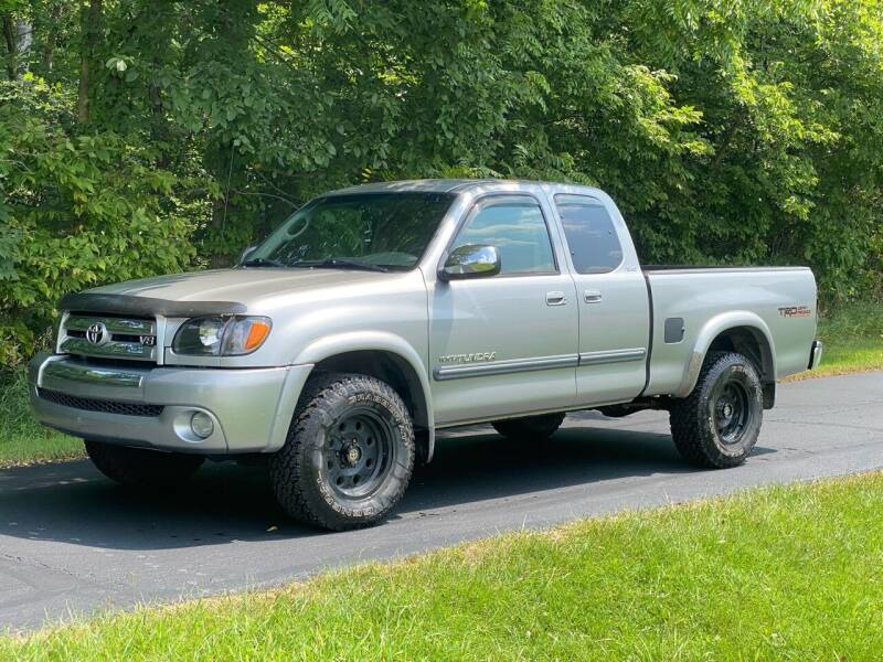 2004 Toyota Tundra for sale at CMC AUTOMOTIVE in Roann IN