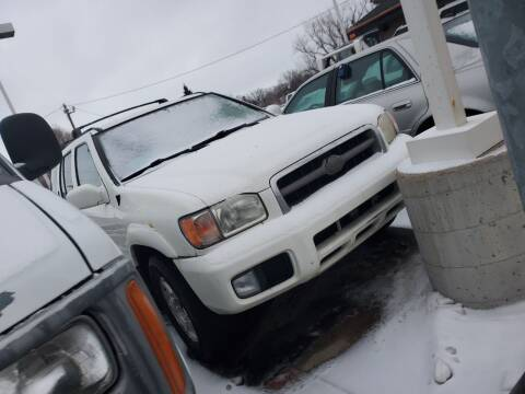 2001 Nissan Pathfinder for sale at Geareys Auto Sales of Sioux Falls, LLC in Sioux Falls SD