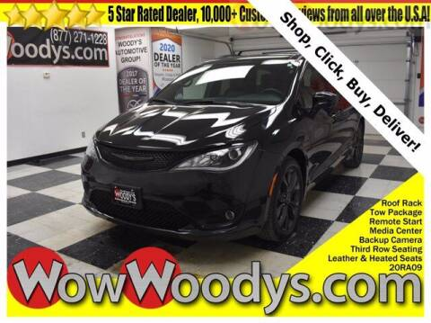 2020 Chrysler Pacifica for sale at WOODY'S AUTOMOTIVE GROUP in Chillicothe MO