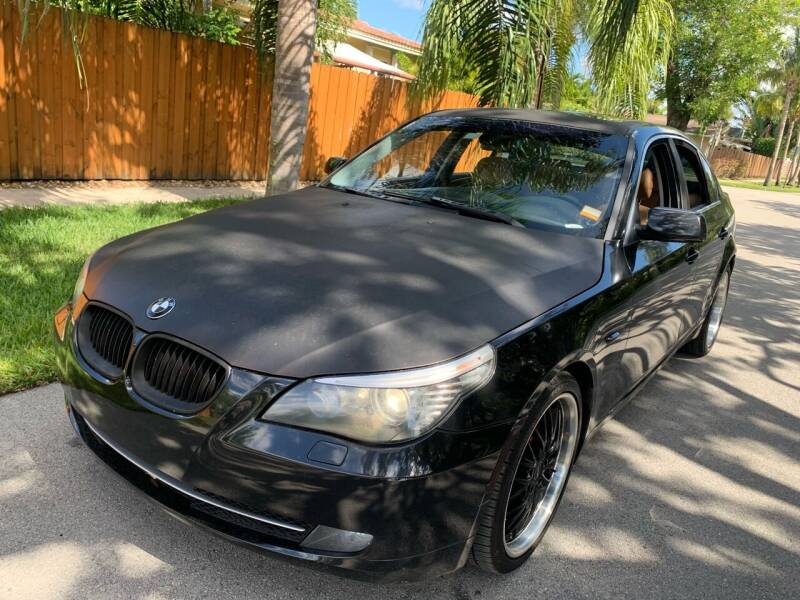 2009 BMW 5 Series for sale at FINANCIAL CLAIMS & SERVICING INC in Hollywood FL