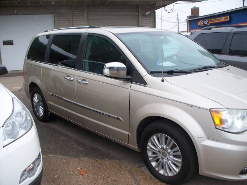 2012 Chrysler Town and Country for sale at North Metro Auto Sales in Cambridge MN