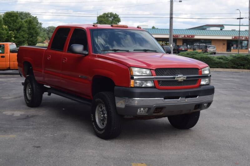 2004 Chevrolet Silverado 2500HD for sale at NEW 2 YOU AUTO SALES LLC in Waukesha WI