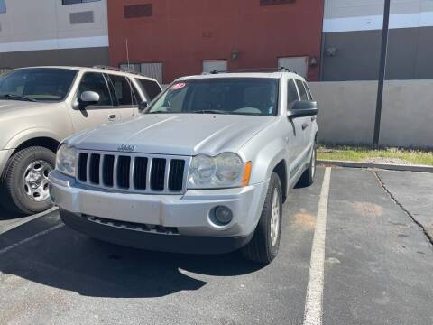 2005 Jeep Grand Cherokee for sale at SOUTHWEST AUTO in Albuquerque NM