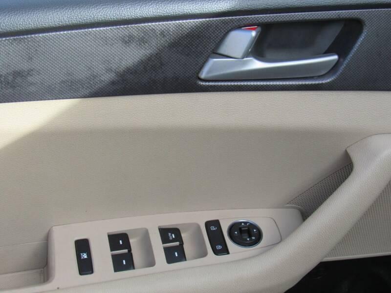2016 Hyundai Sonata 4dr Sedan - Lakeland FL