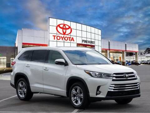 2018 Toyota Highlander for sale at PHIL SMITH AUTOMOTIVE GROUP - Pinehurst Toyota Hyundai in Southern Pines NC