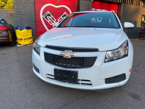 2013 Chevrolet Cruze for sale at Apple Auto Sales Inc in Camillus NY