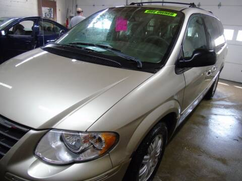 2005 Chrysler Town and Country for sale at C&C AUTO SALES INC in Charles City IA