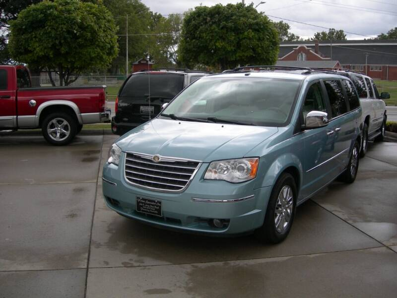 2008 Chrysler Town and Country for sale at The Auto Specialist Inc. in Des Moines IA