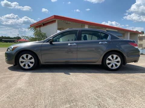 2009 Honda Accord for sale at Tennessee Valley Wholesale Autos LLC in Huntsville AL