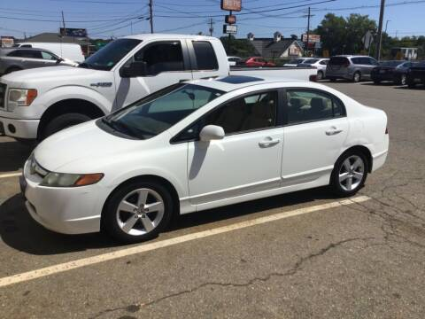 2007 Honda Civic for sale at Desi's Used Cars in Peabody MA