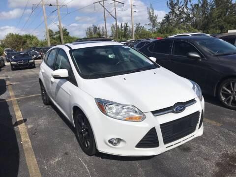 2014 Ford Focus for sale at FLORIDA CAR TRADE LLC in Davie FL