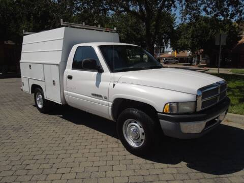 2001 Dodge Ram Chassis 2500 for sale at Family Truck and Auto.com in Oakdale CA