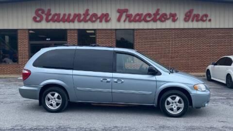 2006 Dodge Grand Caravan for sale at STAUNTON TRACTOR INC in Staunton VA