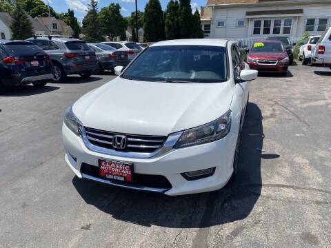 2013 Honda Accord for sale at CLASSIC MOTOR CARS in West Allis WI