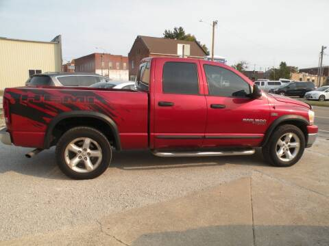 2006 Dodge Ram Pickup 1500 for sale at Kingdom Auto Centers in Litchfield IL
