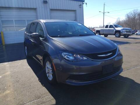 2017 Chrysler Pacifica for sale at NORTH CHICAGO MOTORS INC in North Chicago IL