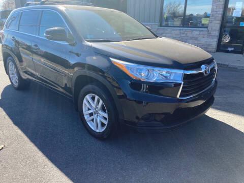 2016 Toyota Highlander for sale at 222 Newbury Motors in Peabody MA