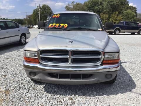 2000 Dodge Dakota for sale at K & E Auto Sales in Ardmore AL