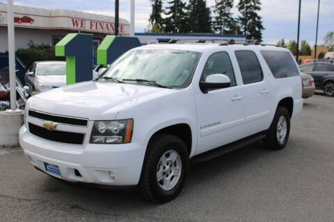2008 Chevrolet Suburban for sale at BAYSIDE AUTO SALES in Everett WA