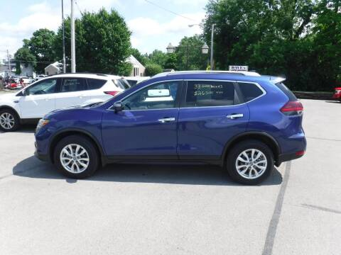 2018 Nissan Rogue for sale at Dave's Car Corner in Hartford City IN