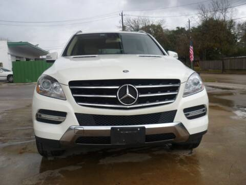 2012 Mercedes-Benz M-Class for sale at Auto Outlet Inc. in Houston TX