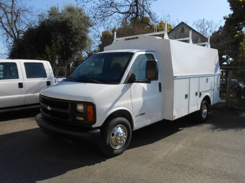 2002 Chevrolet Express Cutaway for sale at Armstrong Truck Center in Oakdale CA
