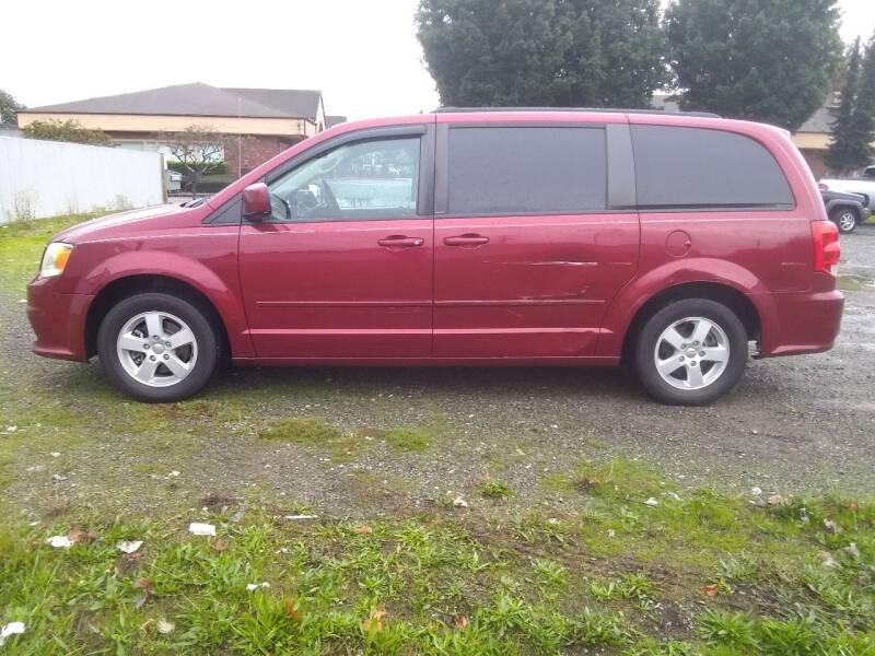 2011 Dodge Grand Caravan for sale at Car Guys in Kent WA
