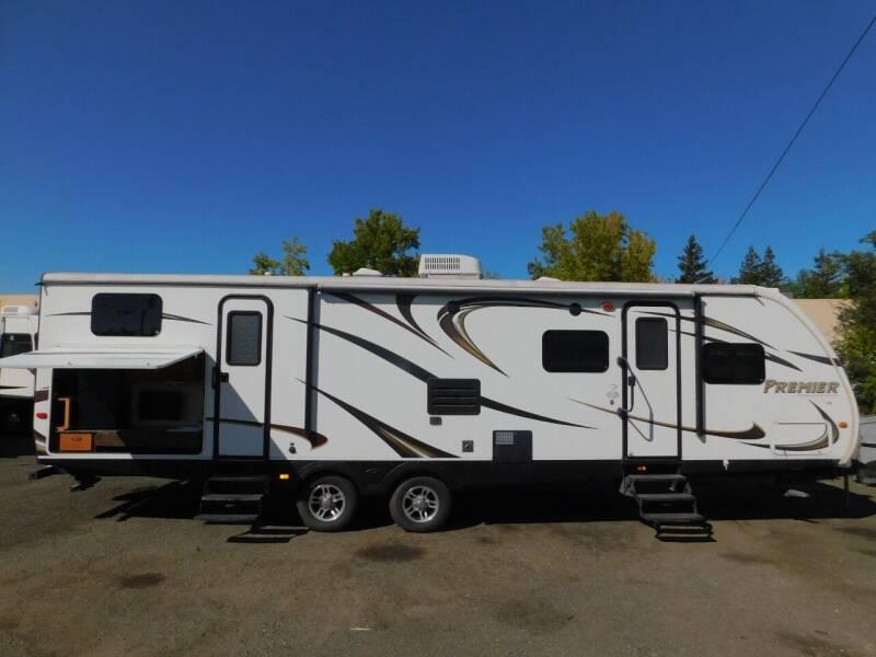 2013 Keystone BULLET PREMIER 31BHPR for sale at Gold Country RV in Auburn CA