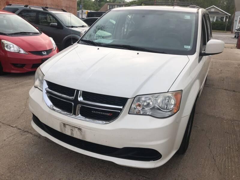 2012 Dodge Grand Caravan for sale at Best Deal Motors in Saint Charles MO