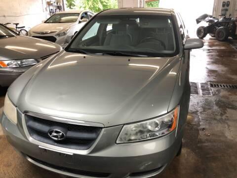 2008 Hyundai Sonata for sale at REGIONAL AUTO CENTER in Stafford VA