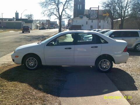 2007 Ford Focus for sale at D & D Auto Sales in Topeka KS
