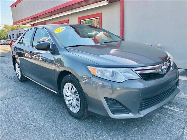 2012 Toyota Camry for sale at Richardson Sales & Service in Highland IN